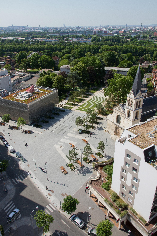 Vue aérienne sur la place René Clair et le square du 11 novembre