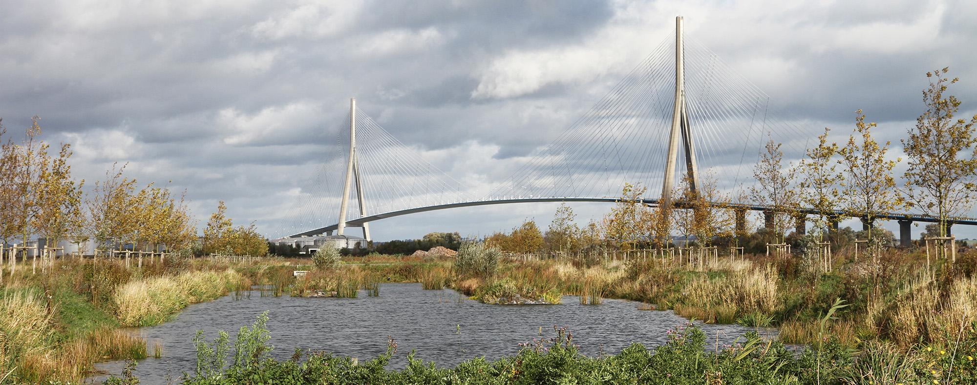 Vue sur le paysage de l'axe majeur avec le pont de Normandie